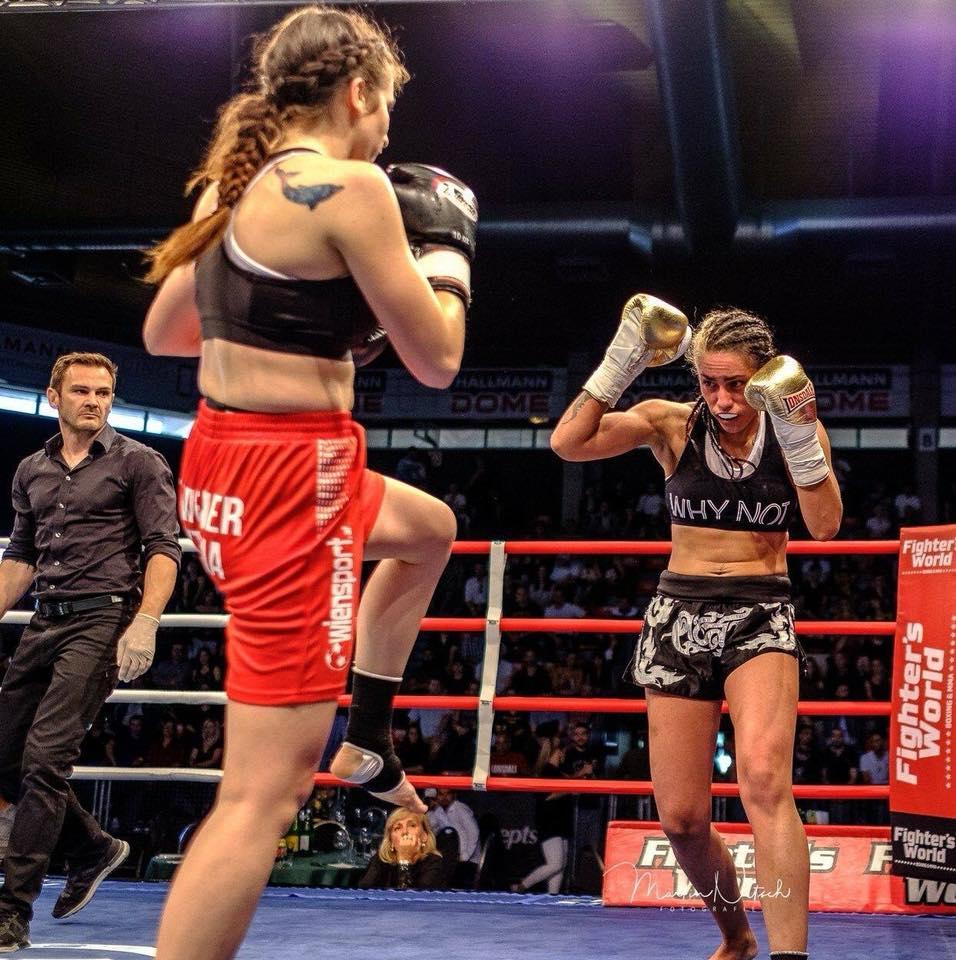Kickboxerin Lara Coglianese im Kämpferportrait