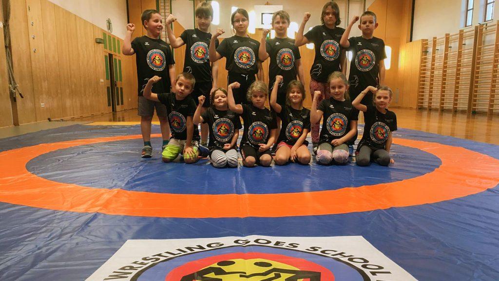 Das Vorzeigeprojekt für mehr Bewegung von Kindern, die glücliche, motivierte Kindergruppe an der Schule in Sankt Johann