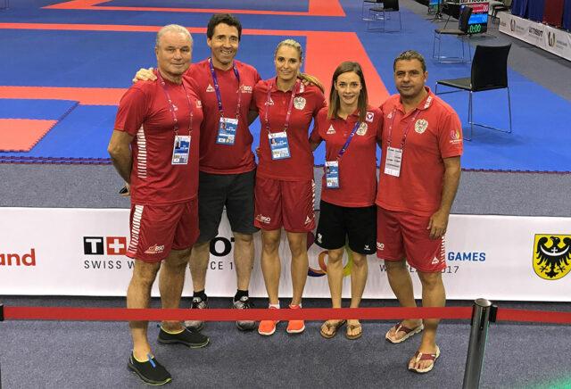 Team Austria Karate Sportlerinnen Alisa Buchinger und Bettina Plank mit Betreuer, Trainer und Coaches